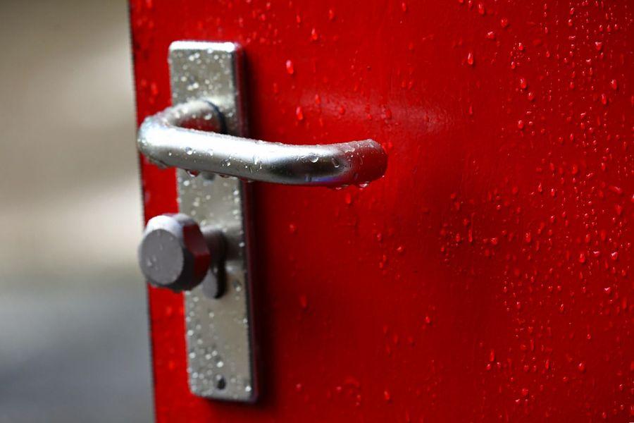 cambiar pomo puerta exterior