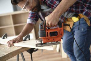 como cortar madera en angulo