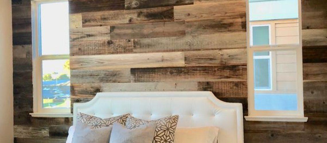 poner paneles de madera en pared