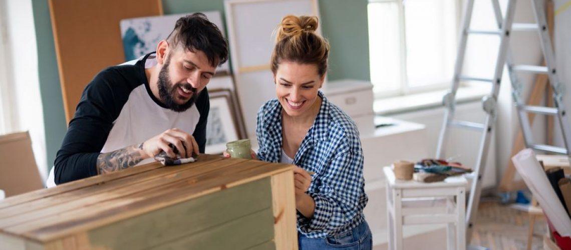 pintar mueble de madera de pino